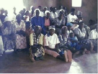 059_people-in-church